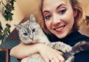 Překonat rakovinu mi pomohly i kočky. O nádoru věděly dřív než já sama, říká Anička Slováčková